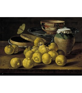 Limas, una caja de gelatina de fruta un vaso de barro y otros objetos