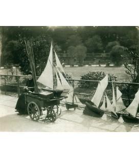 Alquiladora de modelos de barcos, Eugene Atget, Paris 1898