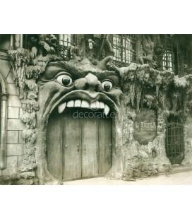 Cabaret artistique L´Ciel, Eugene Atget, Paris 1911