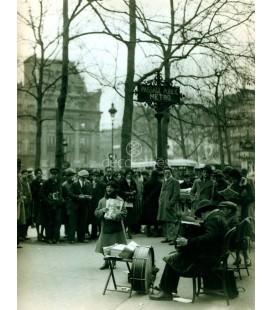 Cantante callejera, Paris. 1930